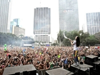 Steve Aoki LIVE at Ultra Music Festival 2013
