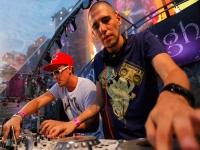 Dimitri Vegas, Like Mike, Coone & Lil Jon - MADNESS