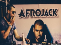 Afrojack ft. Wrabel - Ten Feet Tall