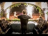 Hardwell - Tomorrowland 2014 הסט המלא מטומורולנד