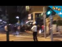אתיופים הופכים ניידת משטרה בהפגנה בכיכר רבין