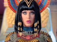 Katy Perry ft. Juicy J - Dark Horse