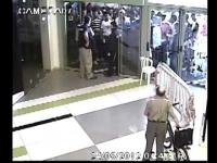 סודנים מתפרעים בכניסה למשרד הפנים, קניון חוצות אשקלון
