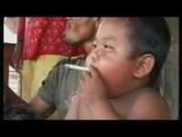 מטורף, תינוק מעשן 40 סיגריות ליום