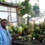 איך לפתוח קוקוס בדרך האמיתית - הוואי מול תאילנד