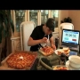 צפו: הצליח לאכול מעל 12,500 קלוריות ב-40 דקות