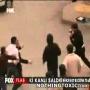 מתאגרף מקצועי קורע במכות 6 ערסים ברחוב