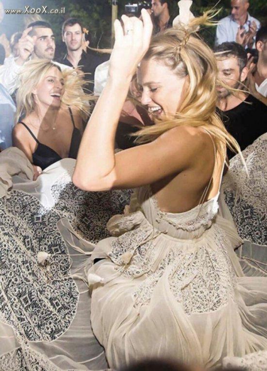 הכלה בר רפאלי רוקדת